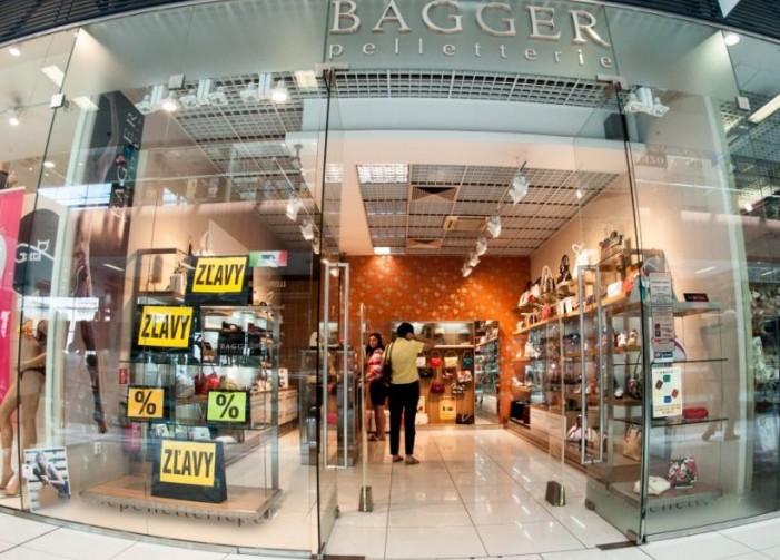 8822008867eed Výrobky z pravej kože a koženú galantériu nájdete v predajni Bagger. Ponúka  trendové výrobky známych značiek ako: W. Valentino, Giudi, Nardini, Lisa  Coll, ...